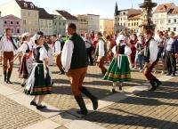 Soubor lidových písní a tanců Furiant České Budějovice - Folklórní soubor písní a tanců Furiant nabízí zájemcům: